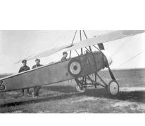 Reginald Warneford in de pilootstoel van zijn Morane-Saulnier, 1915
