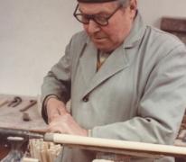 Pijlenmaker Frans Gyselinck aan het werk, Melle, 1960-1983
