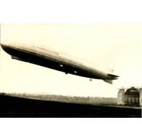 Zeppelin voor hal, 1915