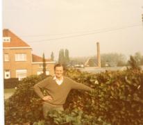 Andre Pieters bij hortensia's klaar voor transport, Melle, 1980-1985