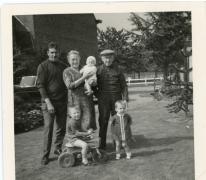 Sylvain Rahoens en familie, boomkwekers, Oosterzele, jaren 1970