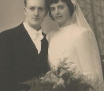 Foto huwelijk Martha en Charles Ponnet, Sint-Lievens-Houtem, 1945