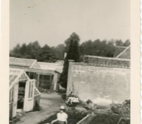 Lutgart Goethals aan het gieten, Lochristi, 1960