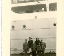 Kinderen Mabilde bij het vertrek pater Alfons Mabilde naar Belgisch-Congo, Antwerpen, 1954