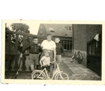 Michel Van Der Haegen bij de familie Mabilde, Letterhoutem, 1959