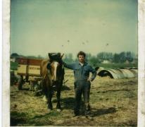 Antoine Van De Keere aan paard en kar, Sint-Lievens-Houtem, jaren 1970