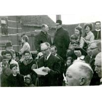 Aanstelling pastoor Coorevits, Letterhoutem, 1965