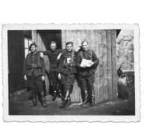 """Windekenaar bij """"den troep"""" Molenbeersel, 1939"""
