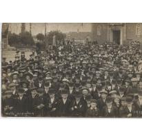 Collectief Heilig Vormsel op het dorpsplein, Melle, 1910