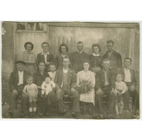Groepsfoto bij het huwelijk van De Laporte Jacqueline Renée, Sint- Lievens- Houtem