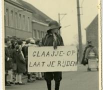 Glaasje op laat je rijden, Bacchusstoet, Sint- Lievens- Houtem, 1960-1970