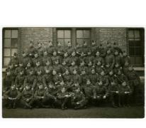 Militairen in uniform, 1938