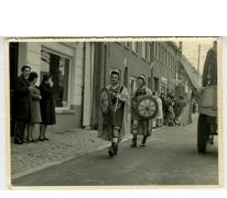 Bacchusstoet met Romeinse soldaten, Sint- Lievens- Houtem, 1960-1970