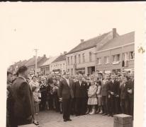 Burgemeester Otte op de grote markt, Sint-Lievens-Houtem, 1959